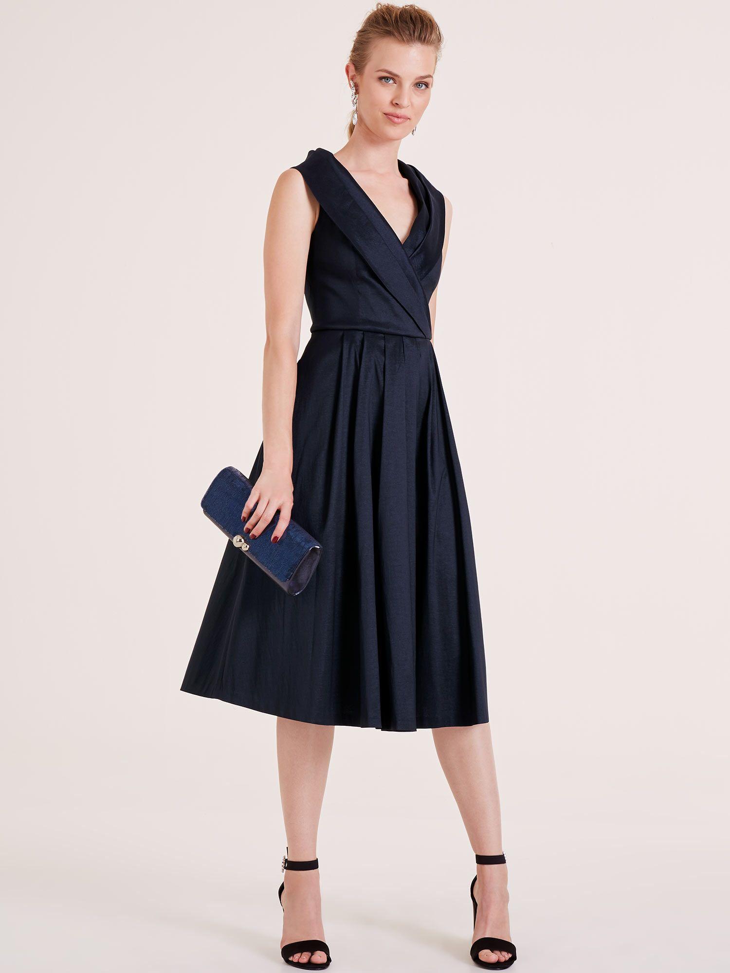 Kleid Für Hochzeitsfeier : kleid f r hochzeitsfeier hochzeitskleider kleid hochzeit kleider und funkelnde kleider ~ Watch28wear.com Haus und Dekorationen