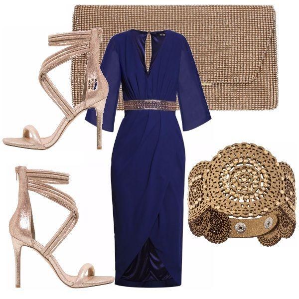 catturare qualità nuovo massimo Bellissimo abito indicato per un occasione elegante! All'abito blu ...