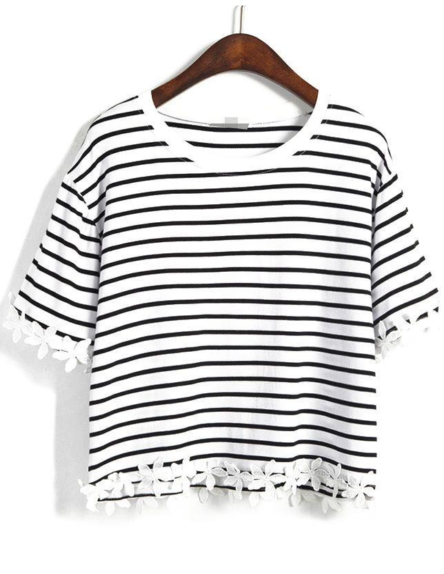 Shop Black Striped With Appliques Crop T-Shirt online. Sheinside offers Black Striped With Appliques Crop T-Shirt & more to fit your fashionable needs.