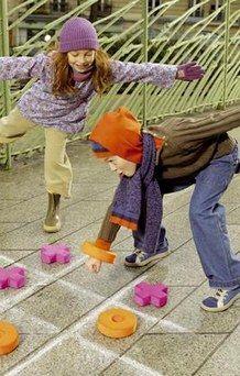 Les tendances Mode Enfants de la Rentrée 2006  - Tenues Petit Bateau Nous y sommes ! C'est la rentrée. Quoi de neuf côté mode pour les enfants? La mode bobo-chic fait toujours des ravages chez nos petits, tout comme le style anglais , une valeur sûre...