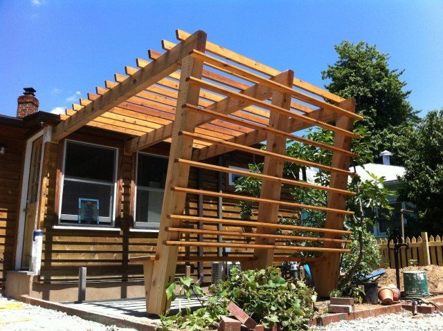holz pergola vorgarten bauen holzlamellen sichtschutz. Black Bedroom Furniture Sets. Home Design Ideas