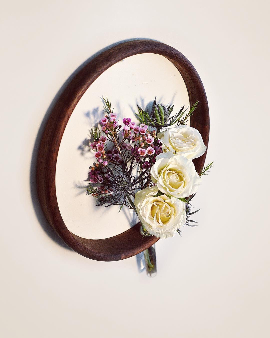 Minimalistic Wood Circle Vases on Wall – Fubiz Media
