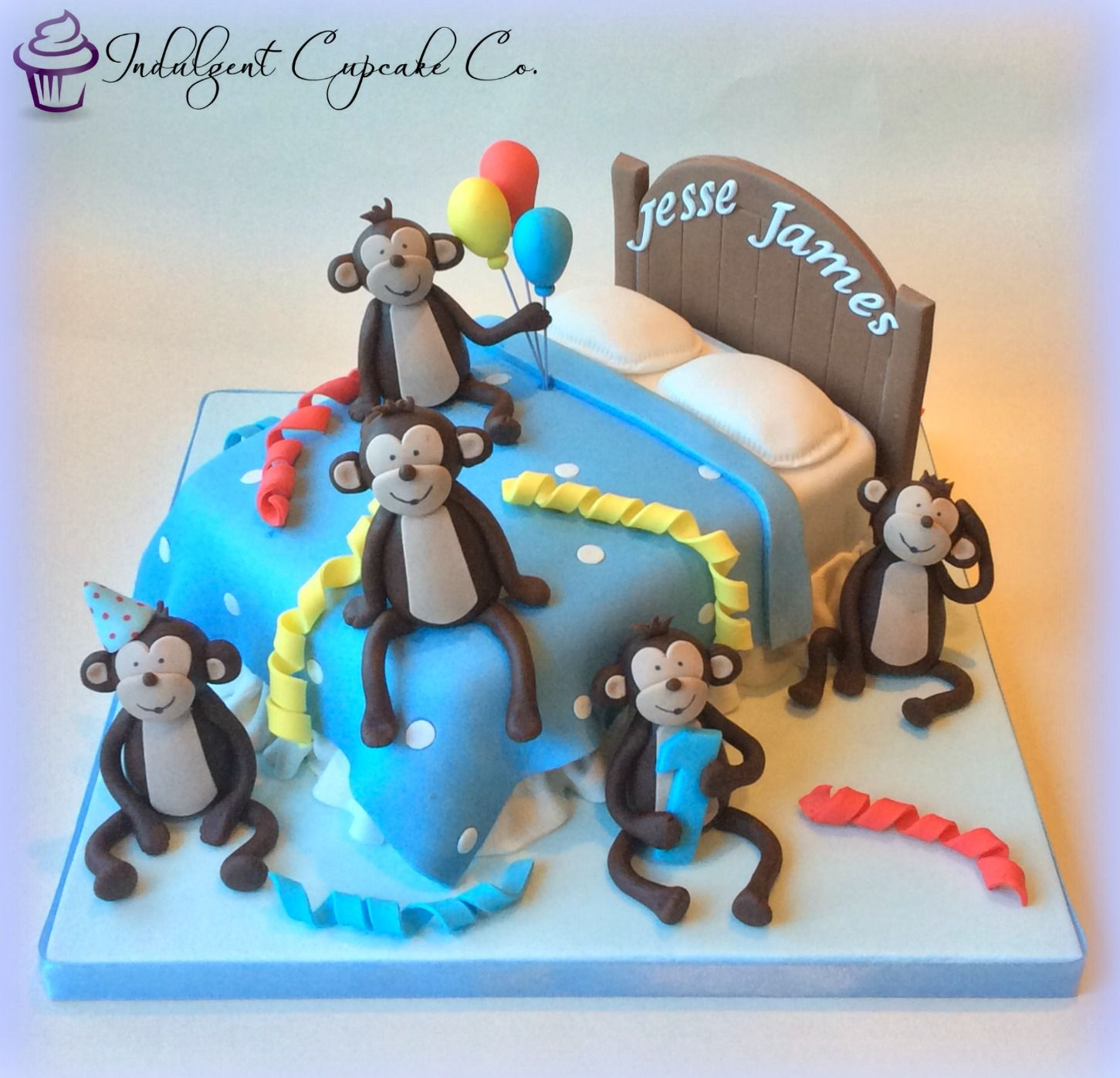 Five Little Monkeys Jumping on the Bed cake.........