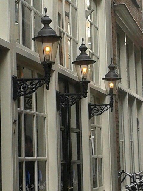 Klassieke verlichting straat Den Bosch | Verlichting | Pinterest