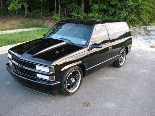Clean Old School Tahoe Classic Chevy Trucks Chevy Tahoe Chevrolet Tahoe
