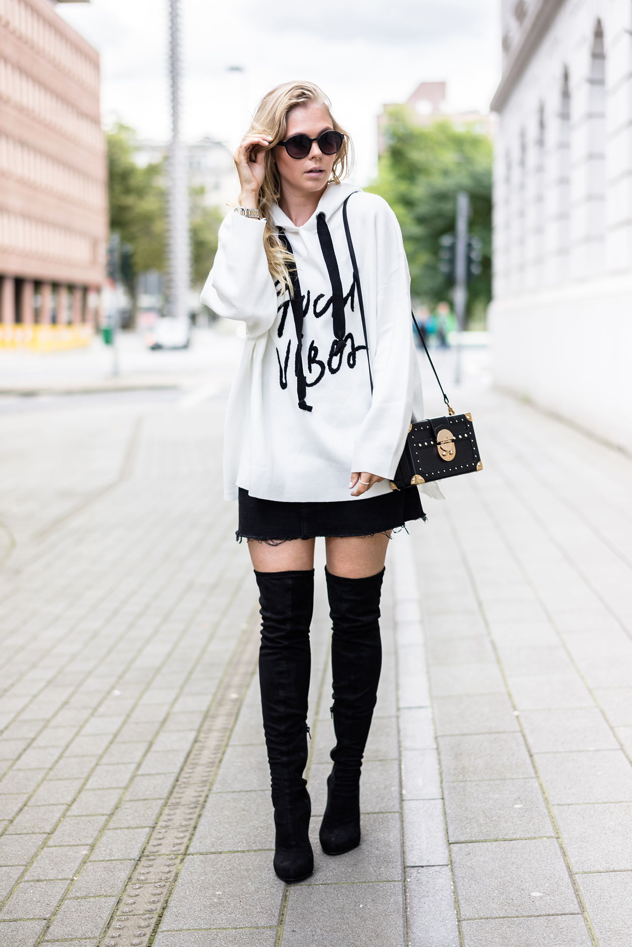 oversized sweater x overknees outfit overknees outfit outfit inspirationen und overknees. Black Bedroom Furniture Sets. Home Design Ideas