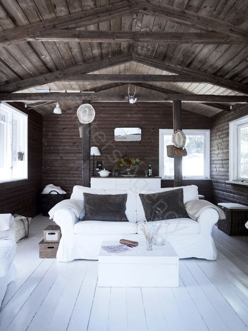 Love The Dark Roof Walls And Light Floor Combo Has A Very Cabin Y