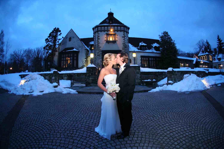 Lush Design Venues For Winter Wedding