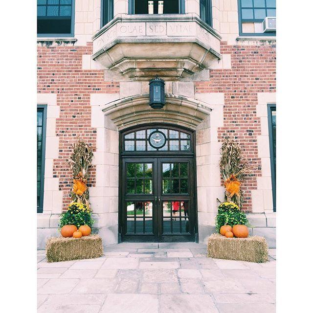 Feeling a bit like #fall around here! #hathawaybrown #hathawayhallways #autumn #cleveland #learnforlife #school #schooldays #schooltime #allgirls