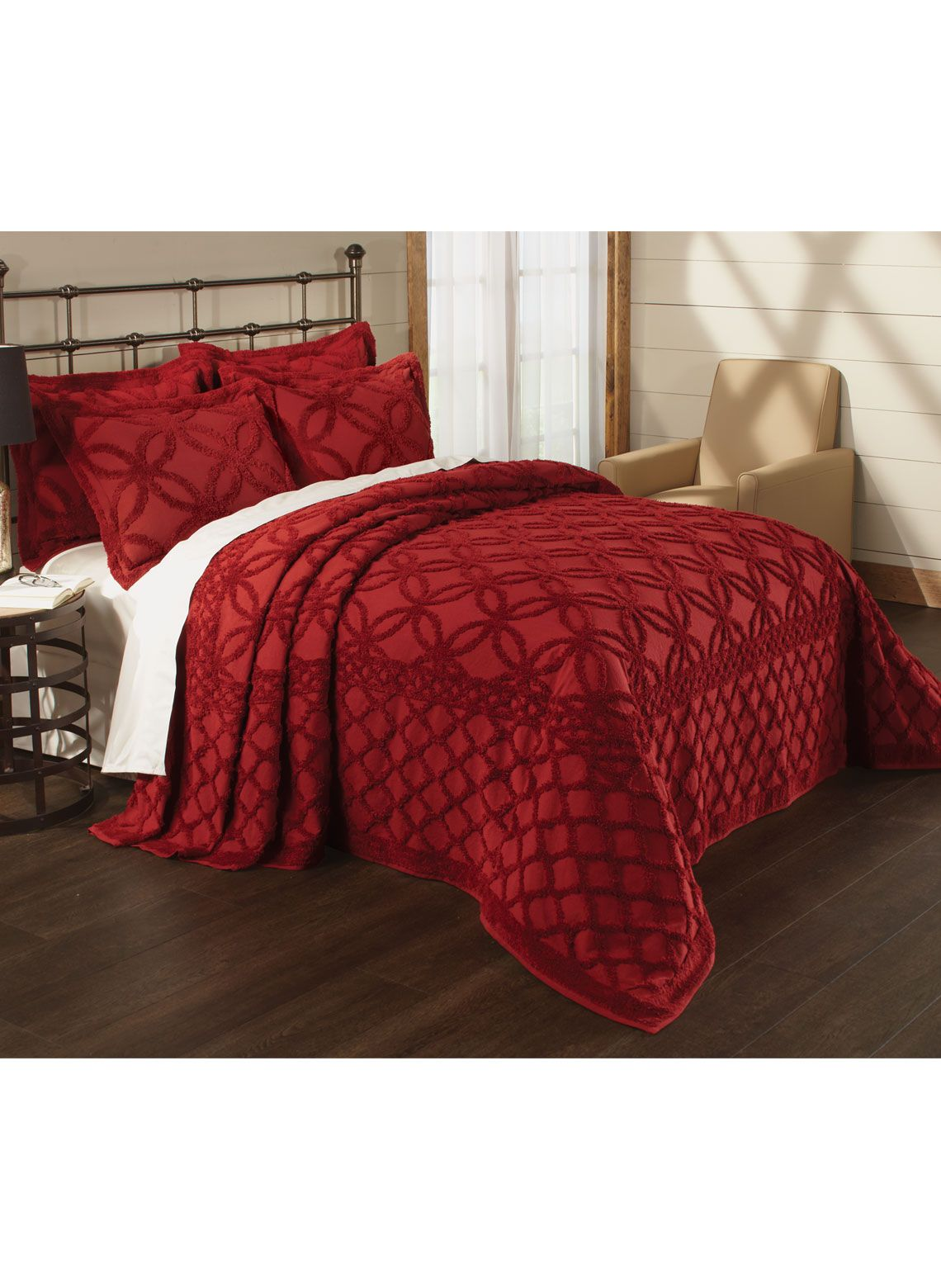 Wedding Ring Bedspread in Maroon Full