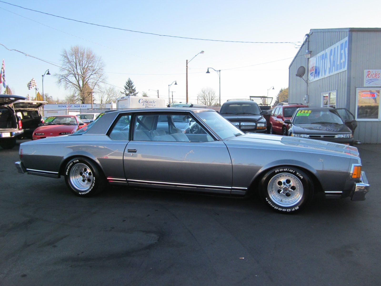 1977 CHEVY CAPRICE GLASS HOUSE COUPE - YouTube | Automobillia