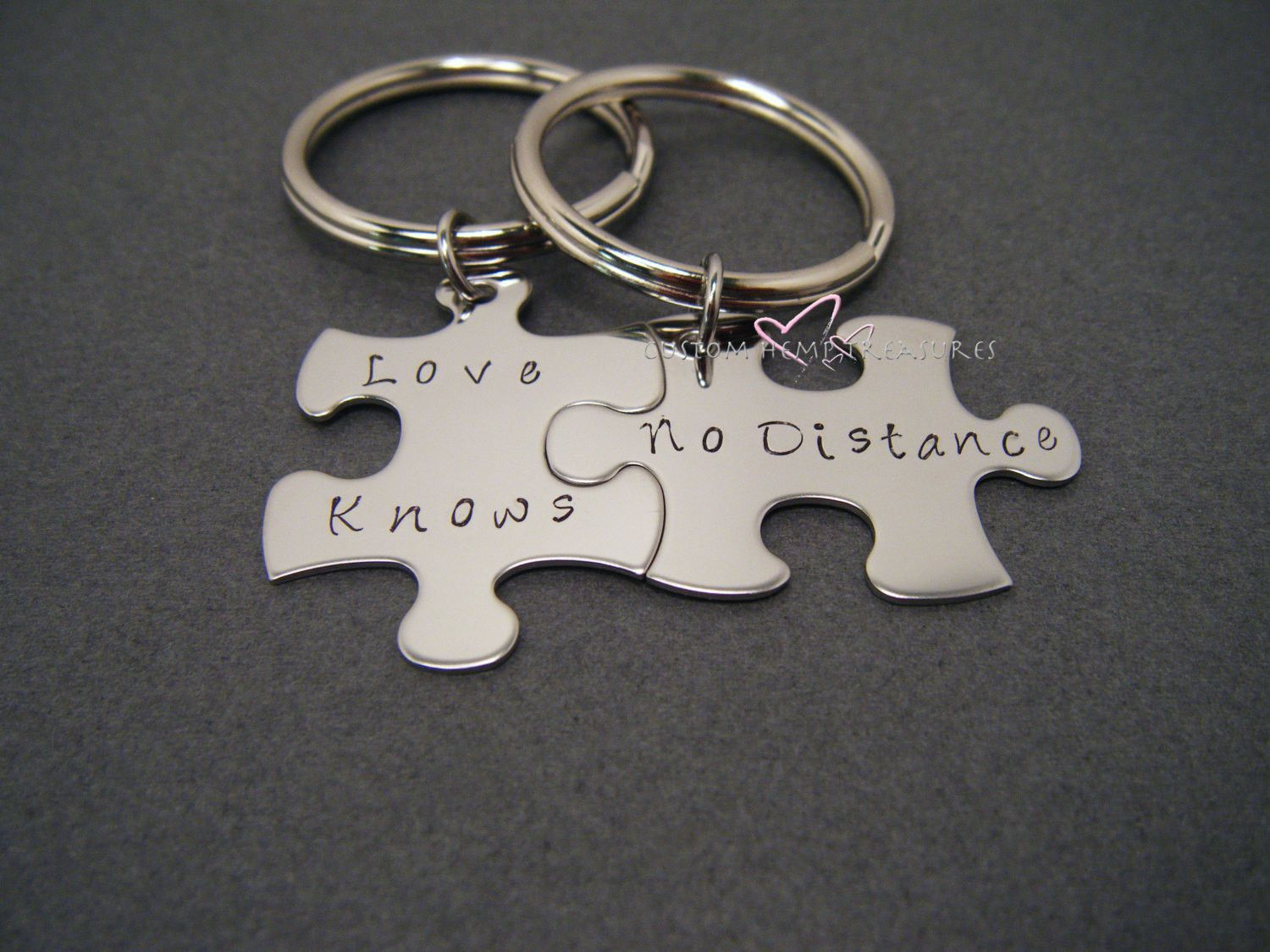 Long Distance Relationship Love Knows No Distance LDR Gift Anniversary GiftCouple Gift Boyfriend Girlfriend Gift Couples Keychains #LongDistance & Love Knows No Distance LDR Gift Anniversary GiftCouple Gift ...