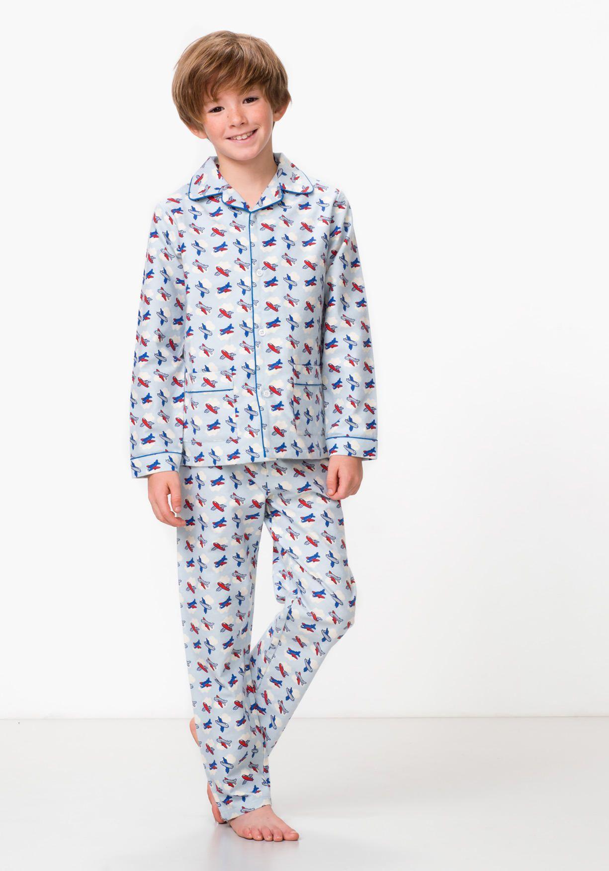 94af141917d Pijama de dos piezas para niño estampado. Pantalón largo con cintura  elástica. Camisa con