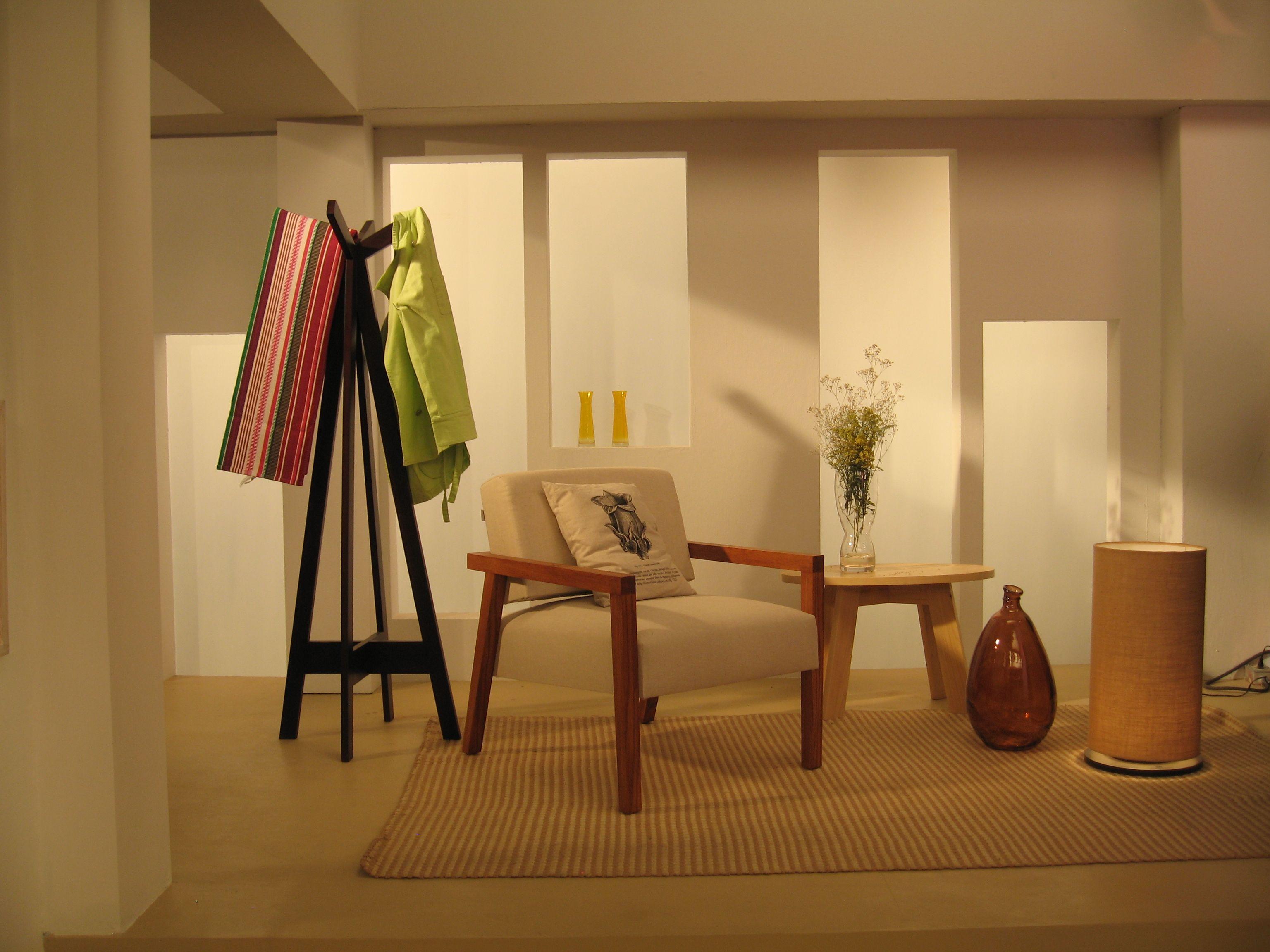 #sala #sofa #lampara #perchero