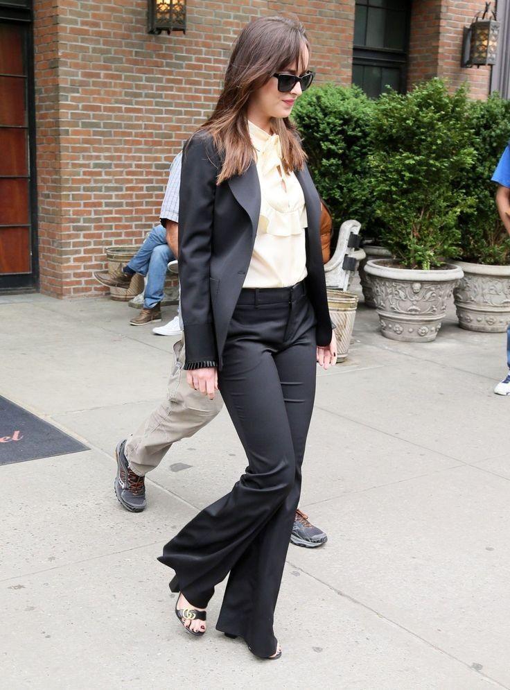 Dakota Johnson..... - Celebrity Fashion Trends