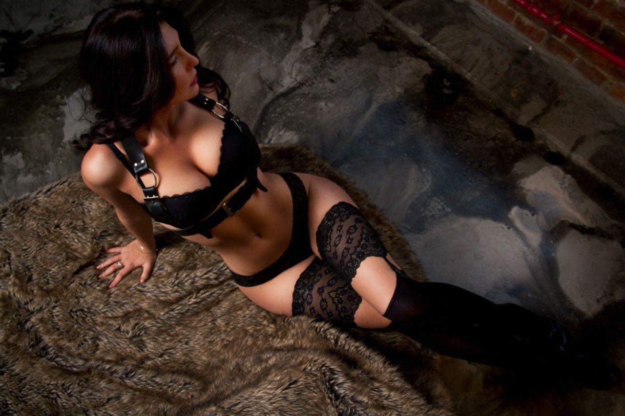 Stockings & Lingerie : Photo
