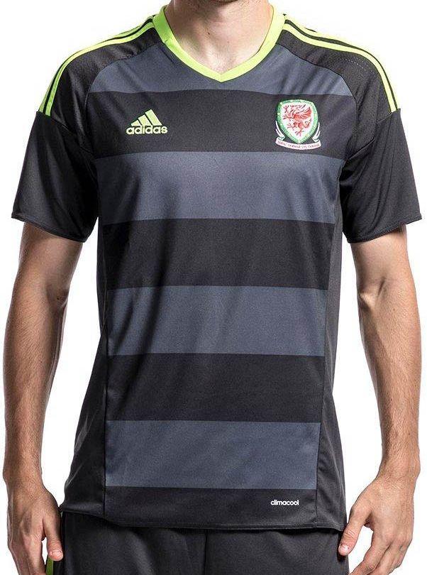 a00e7b32bf Adidas lança nova camisa reserva do País de Gales - Show de Camisas ...