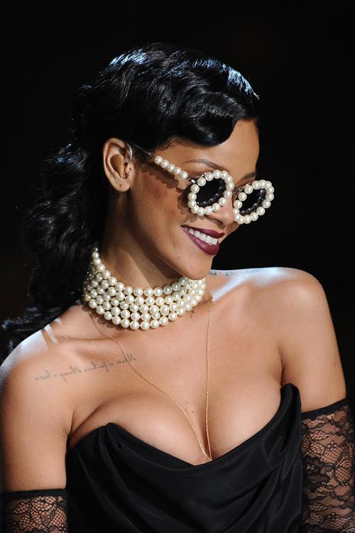 Love Rihanna's style