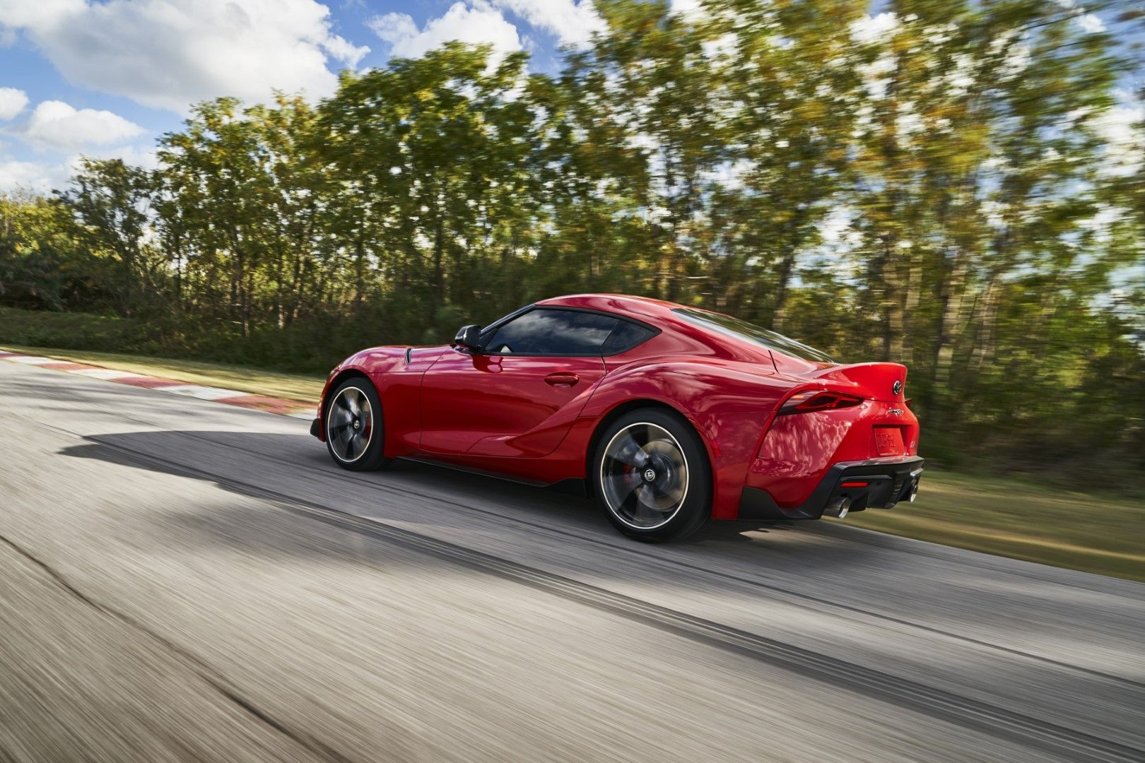 2020 Toyota Supra North American Model 3 0 Liter Turbocharged Inline Six With 335 Hp And 365 Lb Ft Of Torque Toyota Supra Toyota Toyota 2000gt