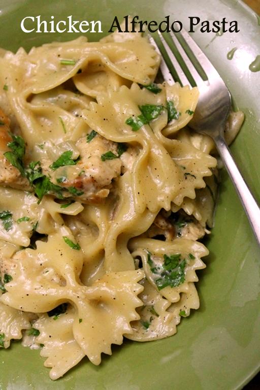 Bowtie Chicken Alfredo Recipe / Chicken Alfredo Pasta Recipe / Chicken Bowtie Alfredo Pasta Recipe - Yummy Tummy #chickenalfredo