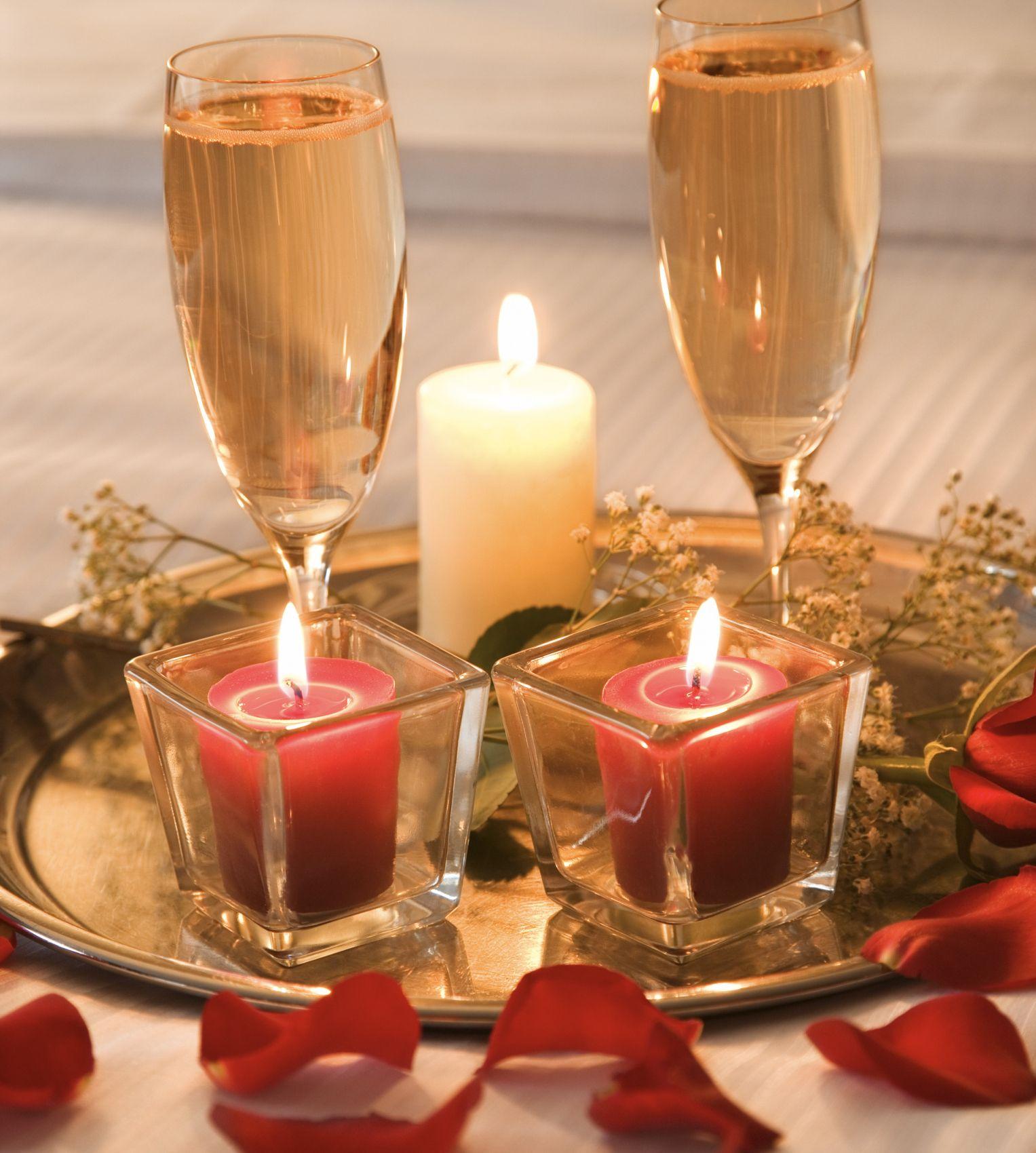 Como adornar la habitaci n para una noche rom ntica romance - Como preparar una noche romantica ...