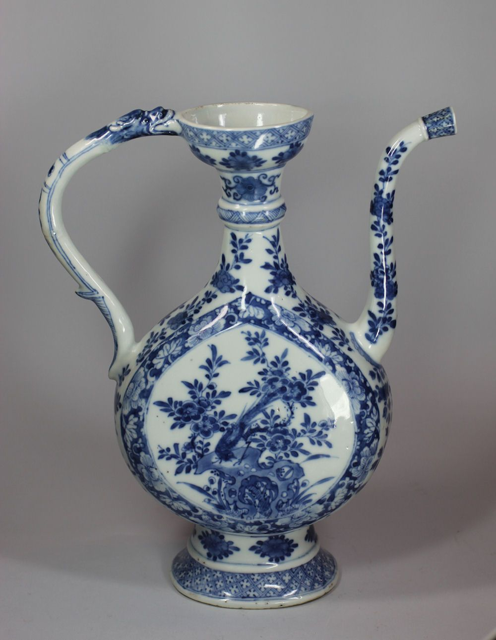 Chinese blue and white ewer aftaba kangxi 1662 1722 made for chinese blue and white ewer aftaba kangxi made for the islamic reviewsmspy