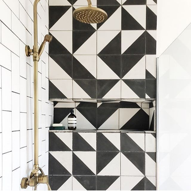 Wow Stunning Use Of Our Black Alalpardo Tile The Tessellation Possibilities Are Endless In 2020 Graphic Tiles Bert And May Tiles Abstract Tile