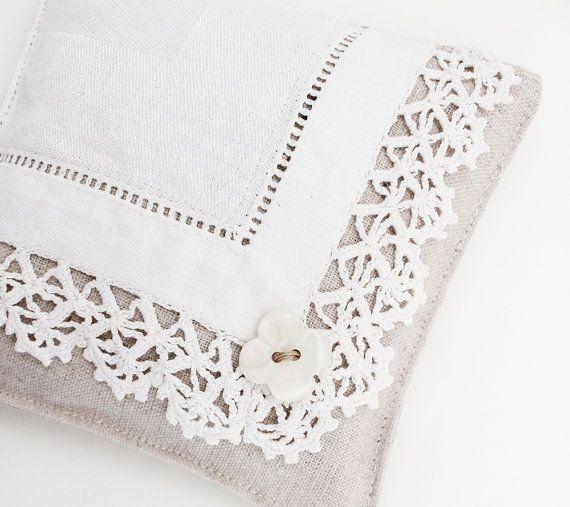 fine lingerie sachet lavande mouchoir vintage d cor romantique mouchoirs sachets de lavande. Black Bedroom Furniture Sets. Home Design Ideas