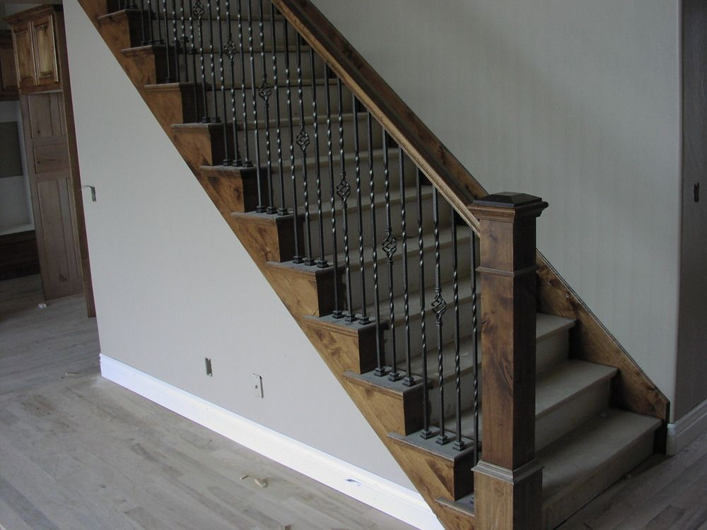 Best Like The Metal But Not 3 Per Stair Bottom Post Is Better 400 x 300