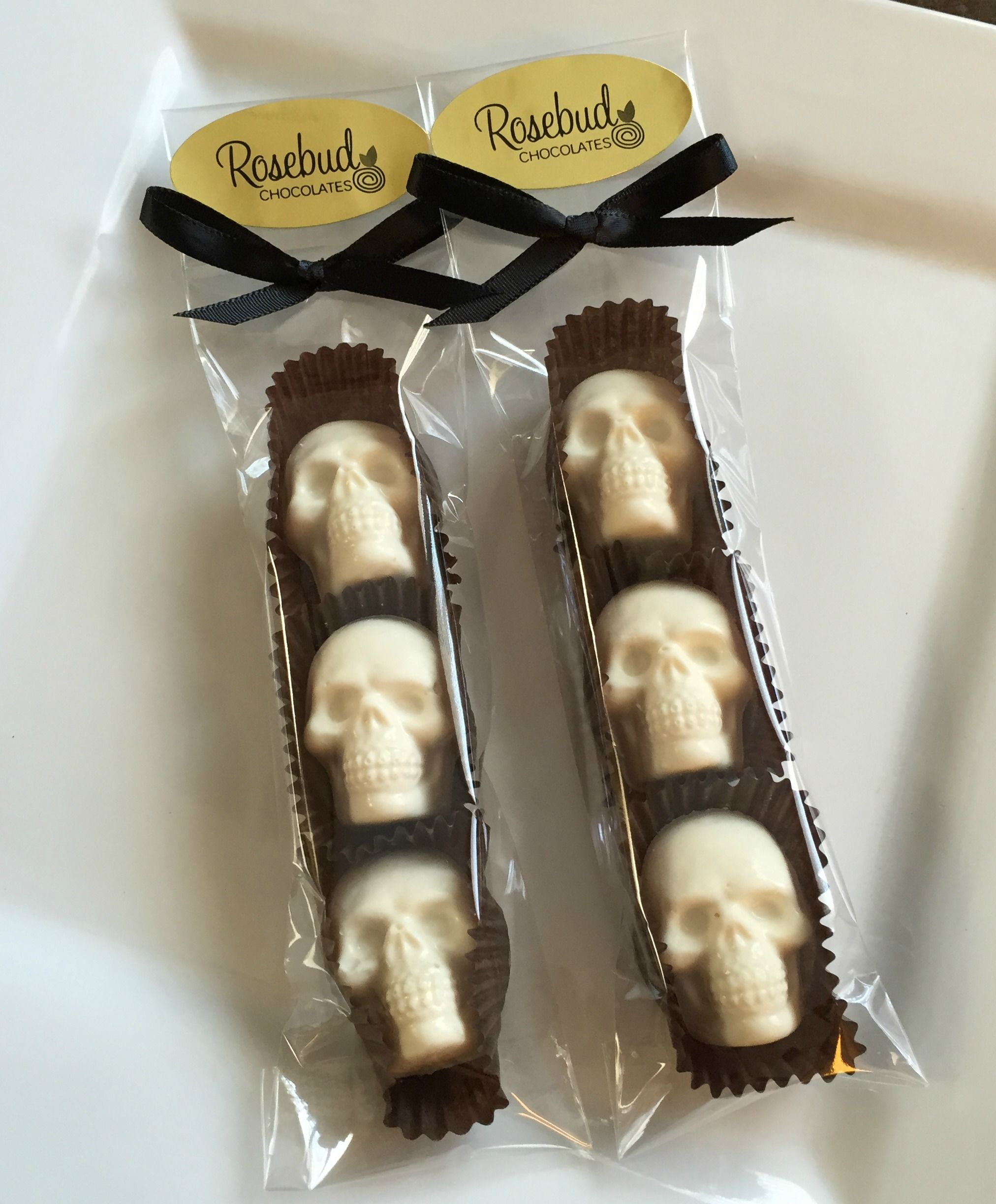 White Chocolate Skulls Candy Party Favors, Halloween Treats www ...