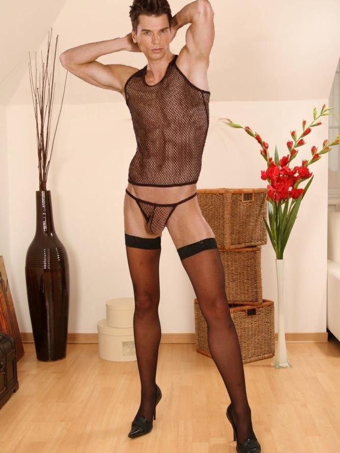 Free pictures of men in pantyhose