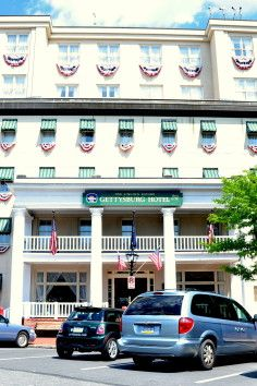 Historic And Haunted Gettysburg Hotel The Est 1797 Is Located In Heart Of Downtown Pennsylvania