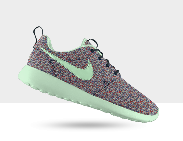 womens nike roshe run green