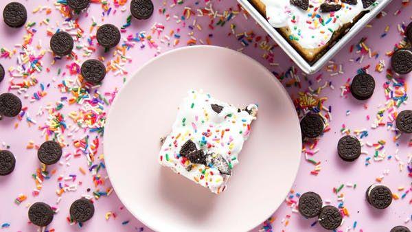 Cookies And Cream Funfetti Dump Cake Recipe Cookie Crush