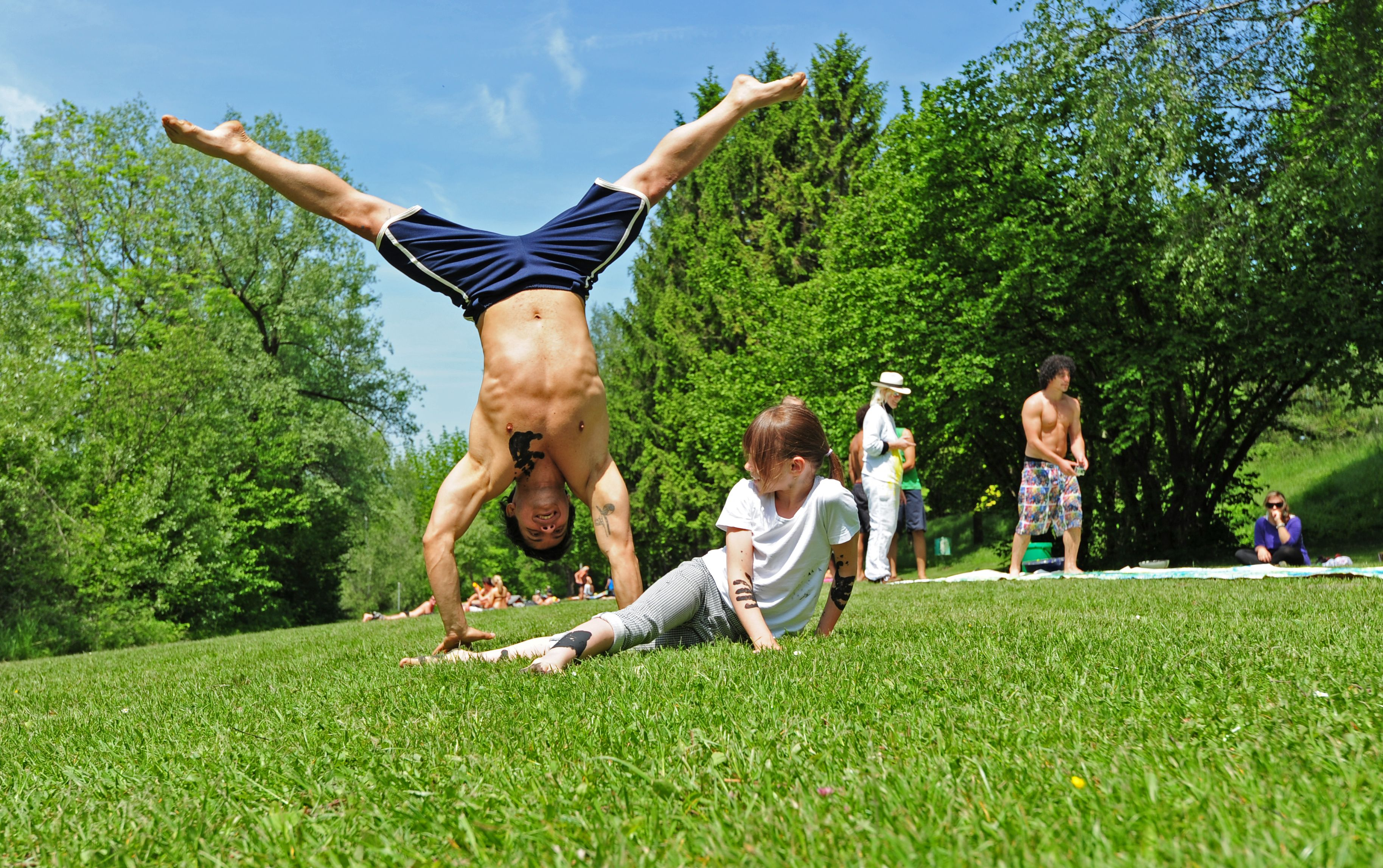 #capoeira #game #idealcapoeira #switzerland #handstand #lifestyle #moves  www.idealcapoeira.com