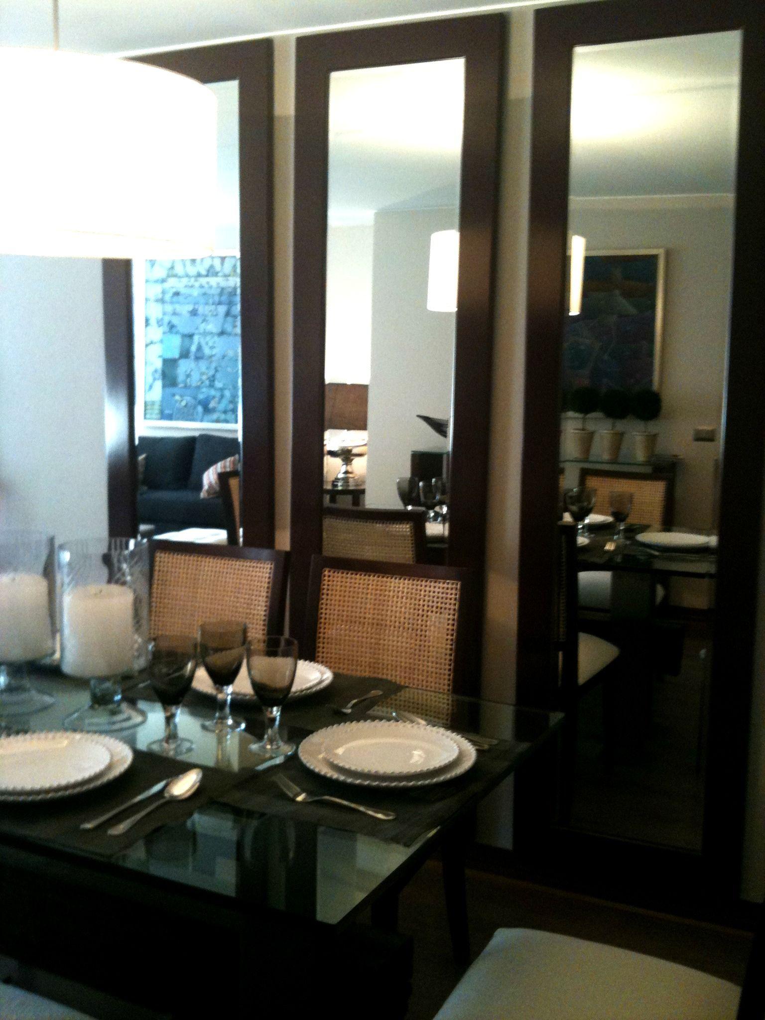 Recurso del espejo en el comedor para iluminar y ampliar - Espejos de comedor ...