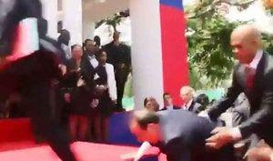 François Hollande se rétame en Haïti : Tops et flops: la semaine people - Journal des Femmes