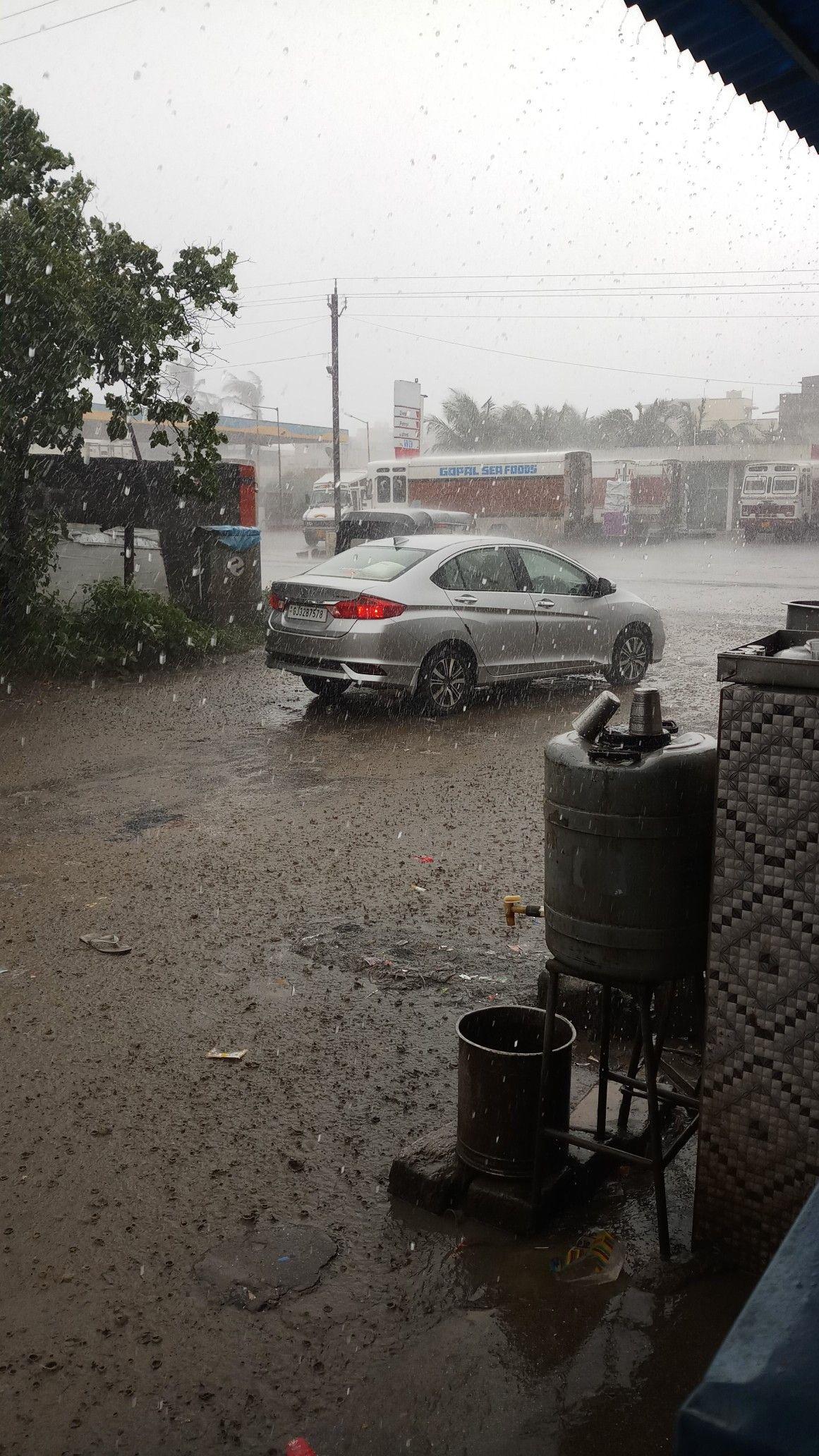 rain 💓 Iphone wallpaper music, Iphone wallpaper, Cars