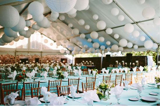 09 papierlaterne hochzeitstafel dekoration deko fuer hochzeit blau partyzelte Hochzeit Deko Idee