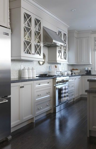 grey kitchenlove thislooks like Beaumont Townhome that we are - como disear una cocina