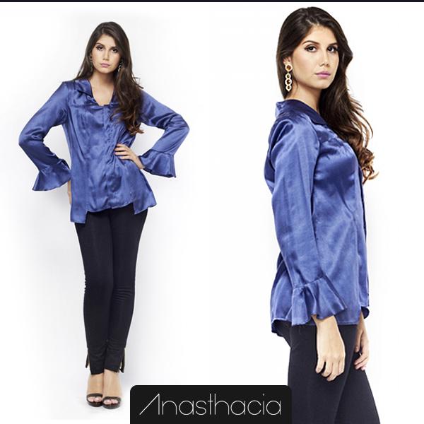 #Lookdodia Anasthacia: Camisa com mangas godê na viscoseda, pate com botões em madrepérolas embutidos, recorte lateral e costas mais comprida.