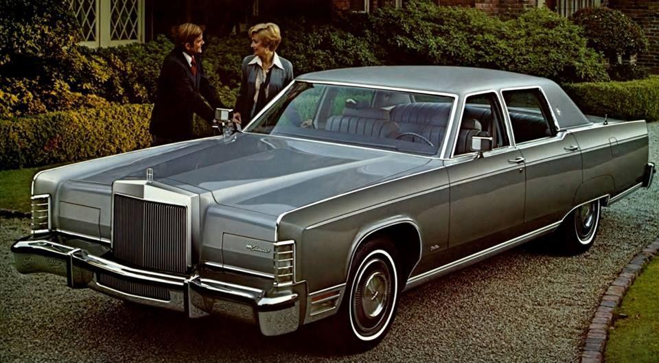 1977 Lincoln Towncar Just Like Mine But Mines Dark Green Lincoln Continental Lincoln Cars Lincoln Town Car