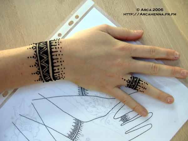 Mehndi Tattoo Cuff : Terrific henna tattoo designs that will add elegance in your