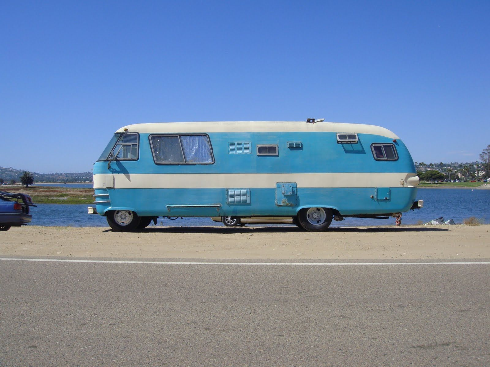 Images furthermore 2ryja 1970 Ford Charging Voltage Regulator It Won T Start also Dodge Challenger 1973  plete Wiring also 1963 Dodge Motor Home as well Next. on travco dodge wiring diagram