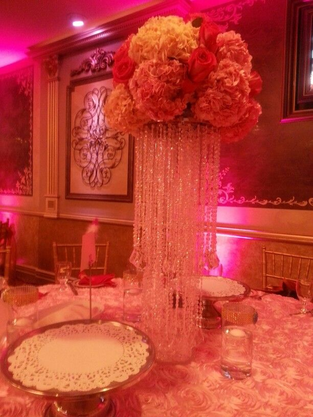 Pink and white quince centerpiece tiarasandtacones