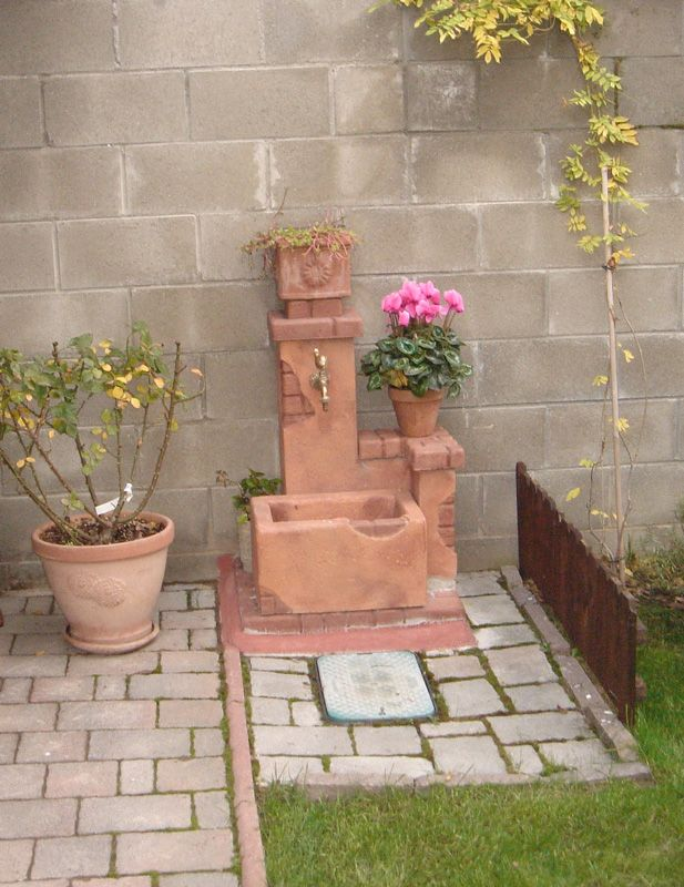 Fontana da giardino fonte del casale, mattone. Località: Zerbolò (Pavia)  Realizzazioni fontane ...