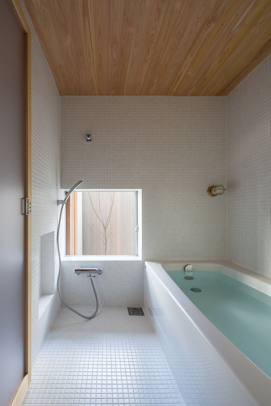 Japan Badewanne Wasser Plywood Interiors Provide Compact Japanese House Storage Cozy Vibes