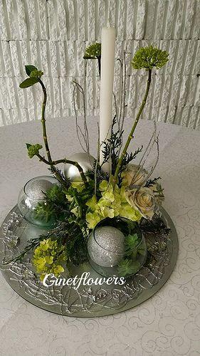 Centro de mesa navide o redondo en plateados y verdes - Centros florales navidenos ...