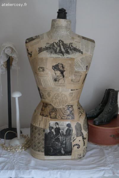 buste de mannequin tapiss de journal ancien brocante de charme atelier vintage. Black Bedroom Furniture Sets. Home Design Ideas