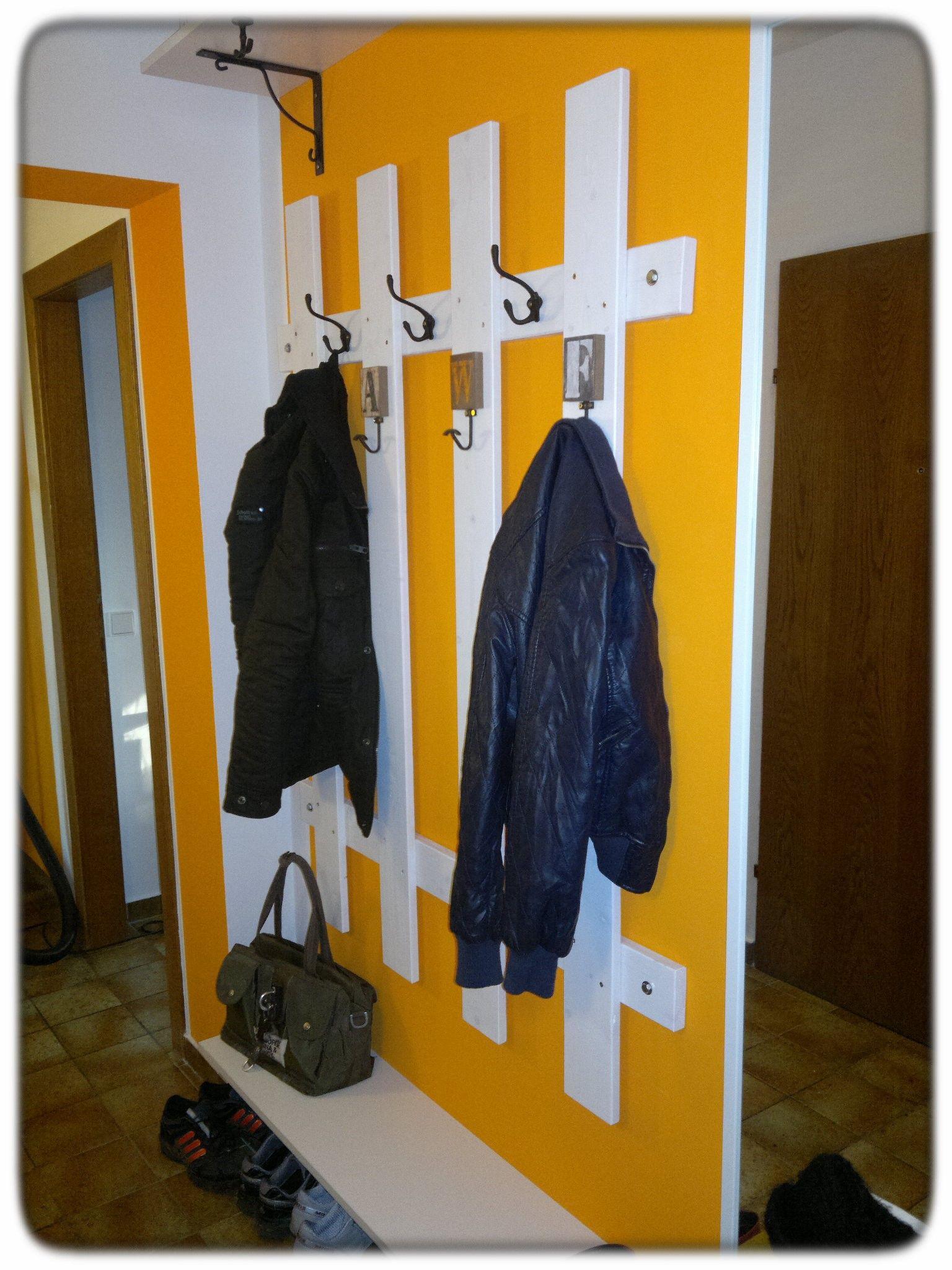 Zuerst selbst ausmalen und dann die Garderobe selbst gestalten ...